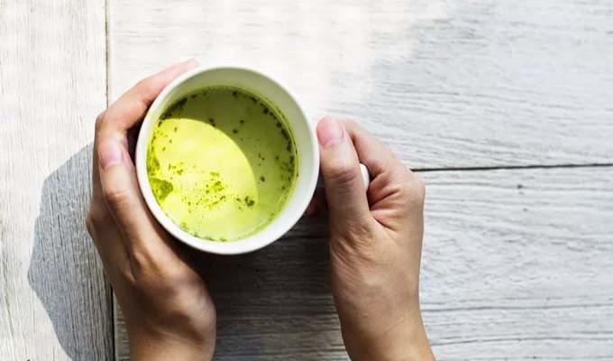 Chá três vezes por semana pode reduzir riscos de doenças cardíacas, diz estudo